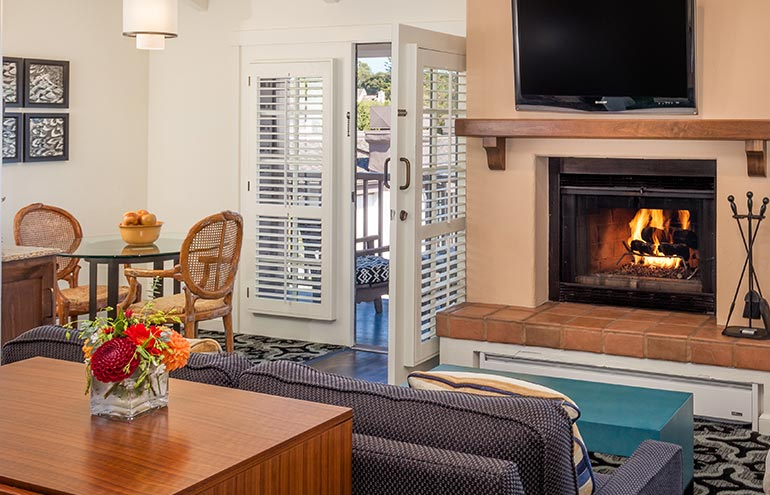 Luxury Junior Suite 2 Doubles at Hotel Pacific Street Monterey California